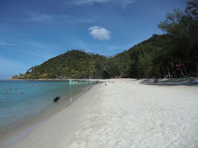 der Bottle Beach rechtsseitig